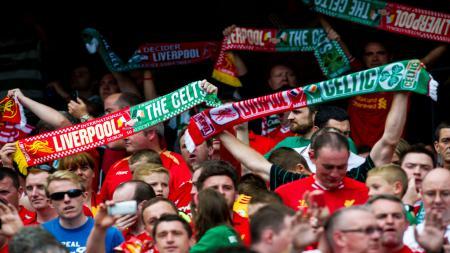 Suporter Liverpool dan Celtic. - INDOSPORT