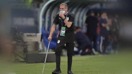 Pelatih Timnas Uruguay yang pernah tangani AC Milan, Oscar Tabarez. - INDOSPORT