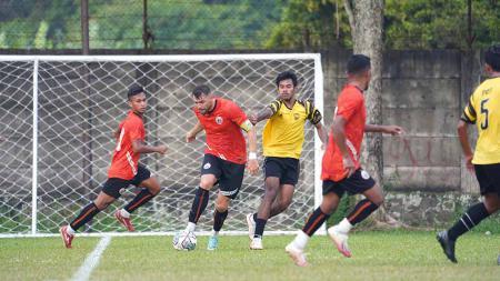 Uji coba Persija vs PSG Pati di Lapangan POR Sawangan, Senin (23/08/21). - INDOSPORT