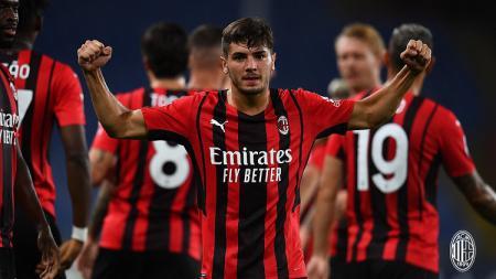 AC Milan mengalahkan Sampdoria dengan susah payah dalam laga pekan pembuka Liga Italia di Stadion Luigi Ferraris, Selasa (24/08/21) dini hari WIB. - INDOSPORT