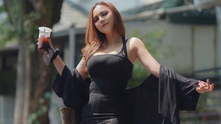 Ratu Rizky Nabila, mantan istri Alfath Fathier. - INDOSPORT