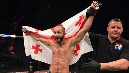 Giga Chikadze berhasil kalahkan Edson Barboza di UFC Vegas 35 - INDOSPORT
