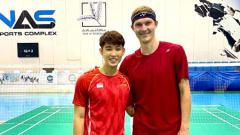 Indosport - Pebulutangkis Singapura Loh Kean Yew Jadi Sparring Partner Viktor Axelsen di Dubai