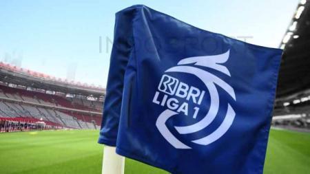 BRI Liga 1 2021-2022 jadi nafas baru sepak bola Indonesia. Setidaknya harapan yang sempat sirna akan kelanjutan kompetisi sepak bola Indonesia, kembali menyala. - INDOSPORT