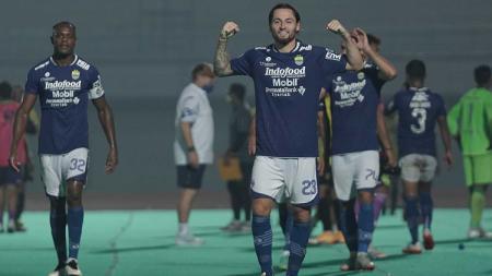 Persib Bandung selalu mendapat jadwal pertandingan malam hari di kompetisi Liga 1 2021-2022. - INDOSPORT