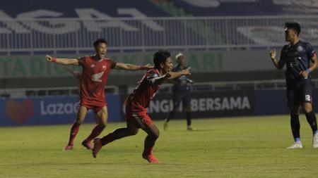 Selebrasi gol winger PSM Makassar, Ilham Udin Armaiyn, ke gawang Arema FC di pekan pembuka Liga 1 2021/22 - INDOSPORT