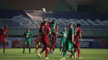 Pertandingan Liga 1 antara PSS Sleman kontra Persija Jakarta, Minggu (05/09/21). - INDOSPORT