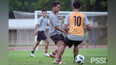 TC Timnas Indonesia U-18 di Stadion Madya, Senayan. - INDOSPORT