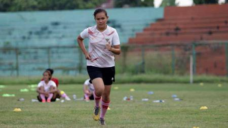 Pemain timnas wanita Indonesia, Adelita Veronika - INDOSPORT