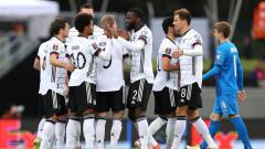 Indosport - Berikut hasil pertandingan kualifikasi Piala Dunia antara Islandia vs Jerman. Diwarnai aksi apik pemain Munchen dan Chelsea, tim Panser hajar tuan rumah.