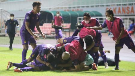Pemain Persik merayakan gol saat laga Liga 1 menghadapi Borneo FC - INDOSPORT