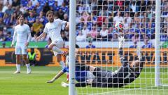 Indosport - Berikut hasil pertandingan Liga Inggris antara Leicester City vs Manchester City. Bernardo Silva bawa The Citizens balas kekalahan di Community Shield.