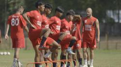 Skuat PSM Makassar berlatih di Stadion Pajajaran, Bogor