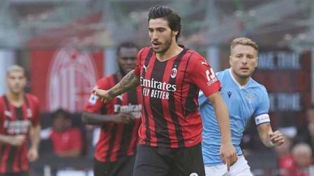 Sandro Tonali pada laga melawan Lazio di Stadio Giuseppe Meazza. - INDOSPORT