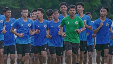 Pelatih Timnas Indonesia, Shin Tae-yong telah selesai menggelar seleksi tahap ketiga Timnas U-18 pada Jumat (17/09/21). - INDOSPORT