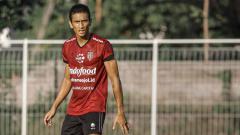 Indosport - Bali United resmi meminjam Reuben Silitonga dari Persis Solo.