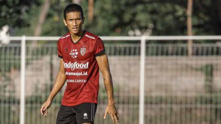 Bali United resmi meminjam Reuben Silitonga dari Persis Solo. - INDOSPORT