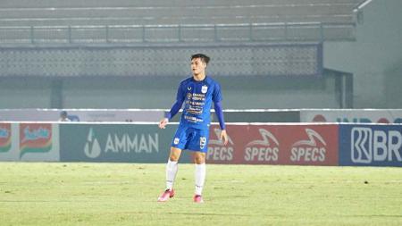 Alfeandra Dewangga saat bermain untuk PSIS dalam laga melawan Persija. - INDOSPORT