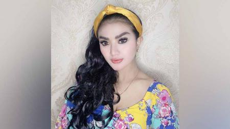Gina Youbi adalah artis yang gemar Muay Thai dan kerap serukan berolahraga untuk penggemarnya - INDOSPORT
