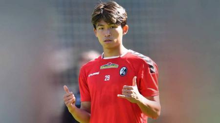 Jeong Woo-yeong, pemain SC Freiburg asal Korea Selatan. - INDOSPORT
