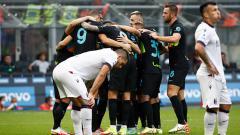 Indosport - Perayaan gol Inter Milan ke gawang Bologna yang dicetak oleh Milan Skriniar dalam lanjutan Liga Italia.