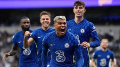 Indosport - Selebrasi gol Thiago Silva untuk Chelsea.