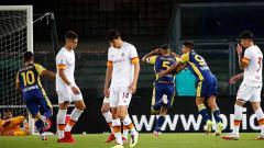 Indosport - Situasi laga Liga Italia antara Hellas Verona vs AS Roma.