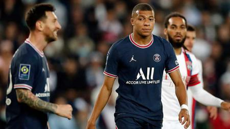 Lionel Messi dan Kylian Mbappe di laga PSG vs Lyon. - INDOSPORT