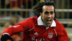 Indosport - Ali Karimi eks Bayern Munchen yang dipecat karena tidak puasa Ramadan.