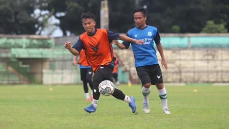 Skuat PSMS menjalani latihan rutin mereka di Stadion Teladan, Medan, Selasa (21/9/21) sore. - INDOSPORT