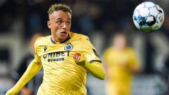 Indosport - Nama Noa Lang tengah jadi perbincangan usai menjadi bidikan dua tim besar Eropa, AC Milan dan Arsenal. Siapa sebenarnya winger milik Club Brugge tersebut?