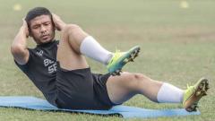 Indosport - Regulasi terbaru Liga 1 rupanya jadi alasan mengapa dua pemain pinjaman PSM Makassar dari Persis Solo belum bisa tampil.