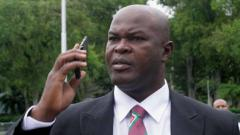 Indosport - Wakil presiden Suriname jadi pemain tertua di ajang CONCACAF, Ronnie Brunswijk