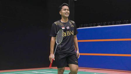Tunggal putra, Anthony Ginting pada latihan perdana tim Piala Sudirman Indonesia di Hameenkylan Liikutahall, Finlandia, Kamis (23/09/21) waktu setempat.