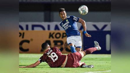 Laga pertandingan antara Persib Bandung vs Borneo FC di BRI Liga 1. - INDOSPORT