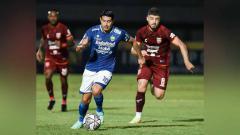 Indosport - Situasi pertandingan pekan ke-4 BRI Liga 1 2021-2022 antara Persib Bandung vs Borneo FC.