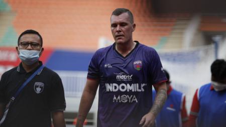 Bek Persita Tangerang, Adam Mitter. - INDOSPORT