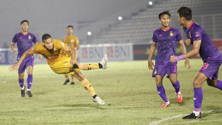 Proses terjadinya gol pertama Bhayangkara FC atas Persik yang dicetak oleh Renan Silva pada pekan kelima BRI Liga 1 2021-22 di Stadion Madya, Rabu (29/09/21).