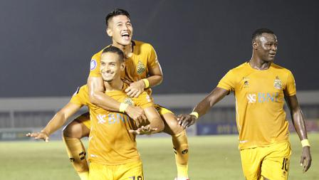Selebrasi pemain Bhayangkara FC atas gol yang diciptakan Renan Silva ke gawang Persik Kediri pada pekan kelima BRI Liga 1 2021-22 di Stadion Madya, Rabu (29/09/21).
