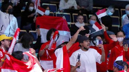 Suporter bulutangkis Indonesia di Energia Areena untuk mendukung tim Indonesia di Piala Sudirman 2021. - INDOSPORT