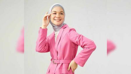 Tantri Namirah gemar berolahraga, dari lari hingga berkuda. - INDOSPORT