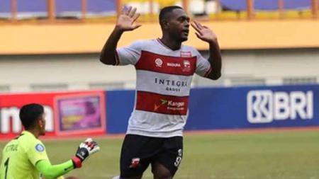 Pertandingan Madura United vs Persipura Jayapura pada pekan keenam Liga 1, Minggu (03/10/21). - INDOSPORT
