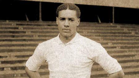 Walter Tull, salah satu legenda Tottenham Hotspur. - INDOSPORT