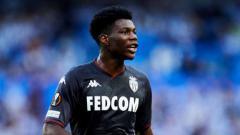 Indosport - Demi mendatangkan Aurelien Tchouameni, Juventus dikabarkan siap menumballkan Aaron Ramsey ke Newcastle United.