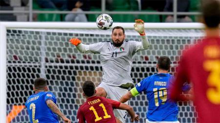 Kiper Italia, Gianluigi Donnarumma pada laga Italia vs Spanyol pertandingan Semi-Final UEFA Nations League. - INDOSPORT