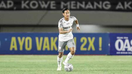 Kanu Helmiawan gelandang Persis Solo mendapat panggilan pemusatan Timnas Indonesia U-23 untuk persiapan kualifikasi Piala Asia U-23 2022. - INDOSPORT