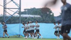Indosport - Latihan Timnas Indonesia jelang pertandingan kedua melawan Taiwan di Playoff Kualifikasi Piala Asia 2022.