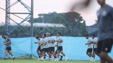 Timnas Indonesia langsung meninggalkan Kota Buriram, Thailand setelah menjalani leg kedua play off Kualifikasi Piala Asia 2023 lawan Taiwan. - INDOSPORT