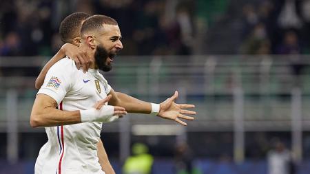 Didier Deschamps menilai kini Karim Benzema sudah jadi pemain yang lebih baik usai sebelumnya sempat tidak bekerja sama untuk Prancis selama enam tahun. - INDOSPORT