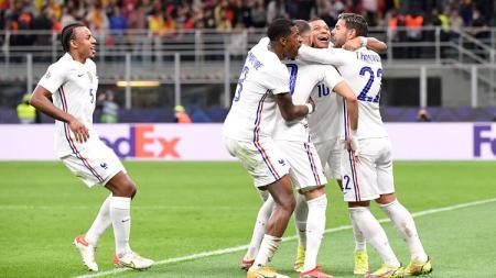 Selebrasi gol pemain Prancis dalam pertandingan final UEFA Nations League 2021 kontra Spanyol, Minggu (10/10/21). - INDOSPORT